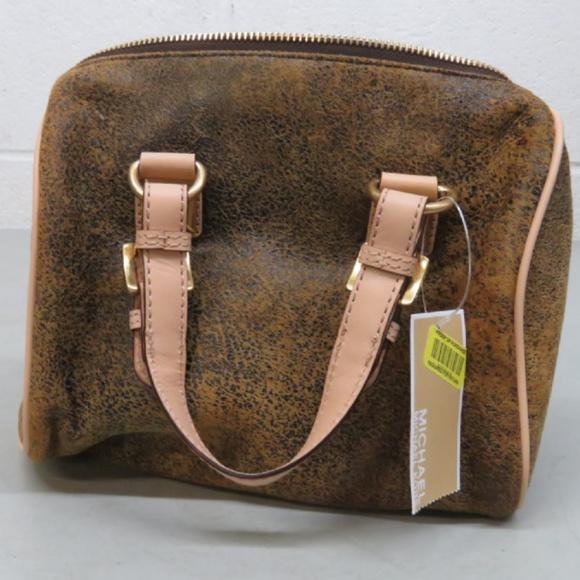 Michael Kors Handbags - Michael Kors GRAYSON Mocha Leather Hand Bag